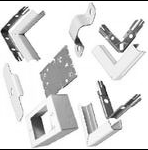 Complete feature: Wiremold UPC 786776178647 Wiremold Part # V500GGKIT 1-Piece Raceway Kit, Steel, 500 Series, Color: Ivory. Kit Includes: (5) V511, (3) V517, (3) V518, (10) V504, (10) V5703 & (4) V5748 and assorted screws and hangers. Wiremold Classification: 1-Piece Raceway Kit V500GGKIT